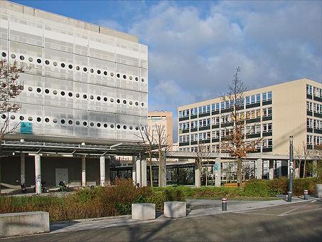 1200px-L'université_Paris_Ouest_Nanterre
