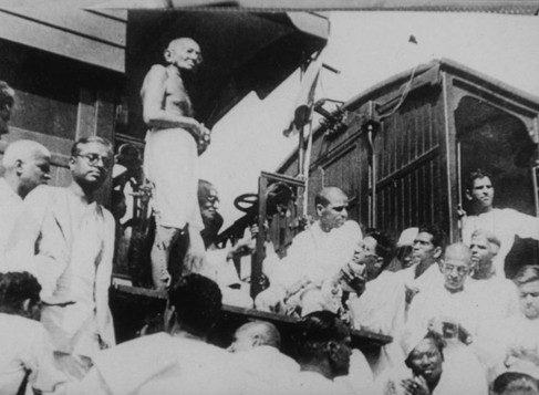 """An Overview of """"Mr. Gandhi and the Emancipation of the Untouchables"""""""