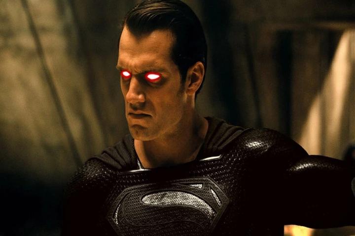 superman com uniforme preto
