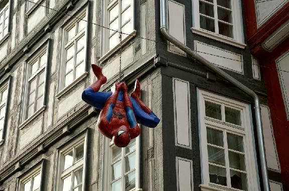 Homem Aranha de ponta cabeça