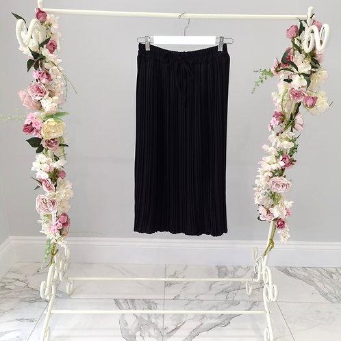 Black Felicity Pleated Midi Skirt