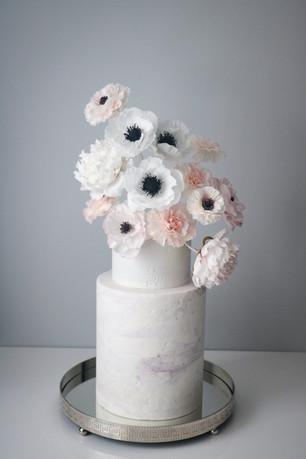 sugar flower vase cake