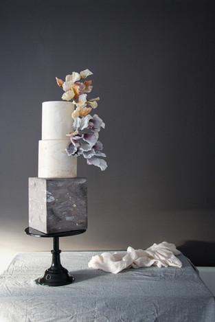 stone effect square wedding cake