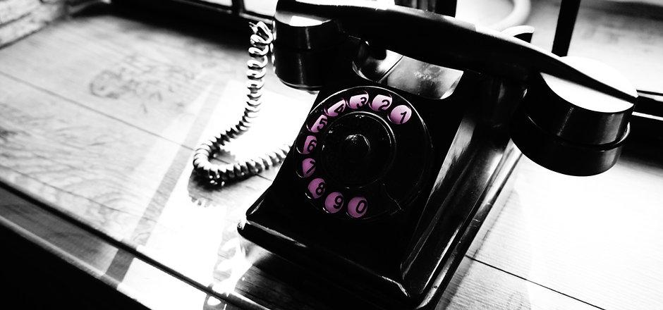 phone-2581524 pink.jpg