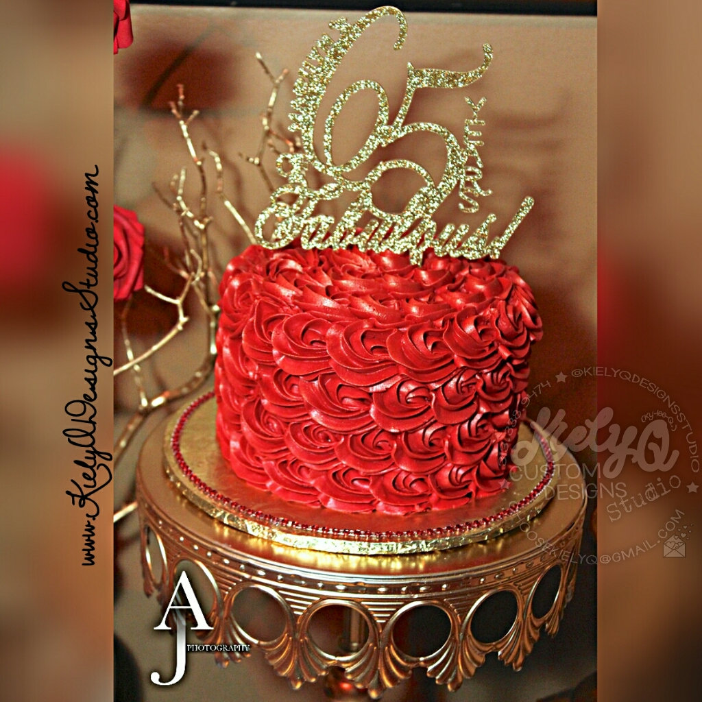 RED ROSETTES CAKE
