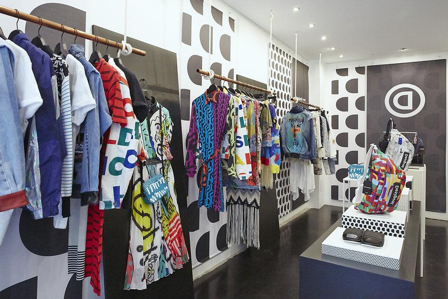 Desigual pop-up store Paris