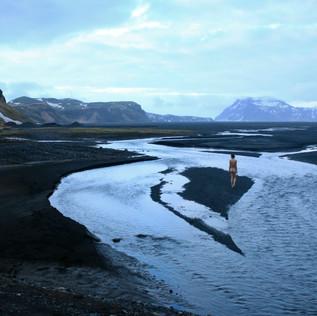 Islande-nude-blue.jpg