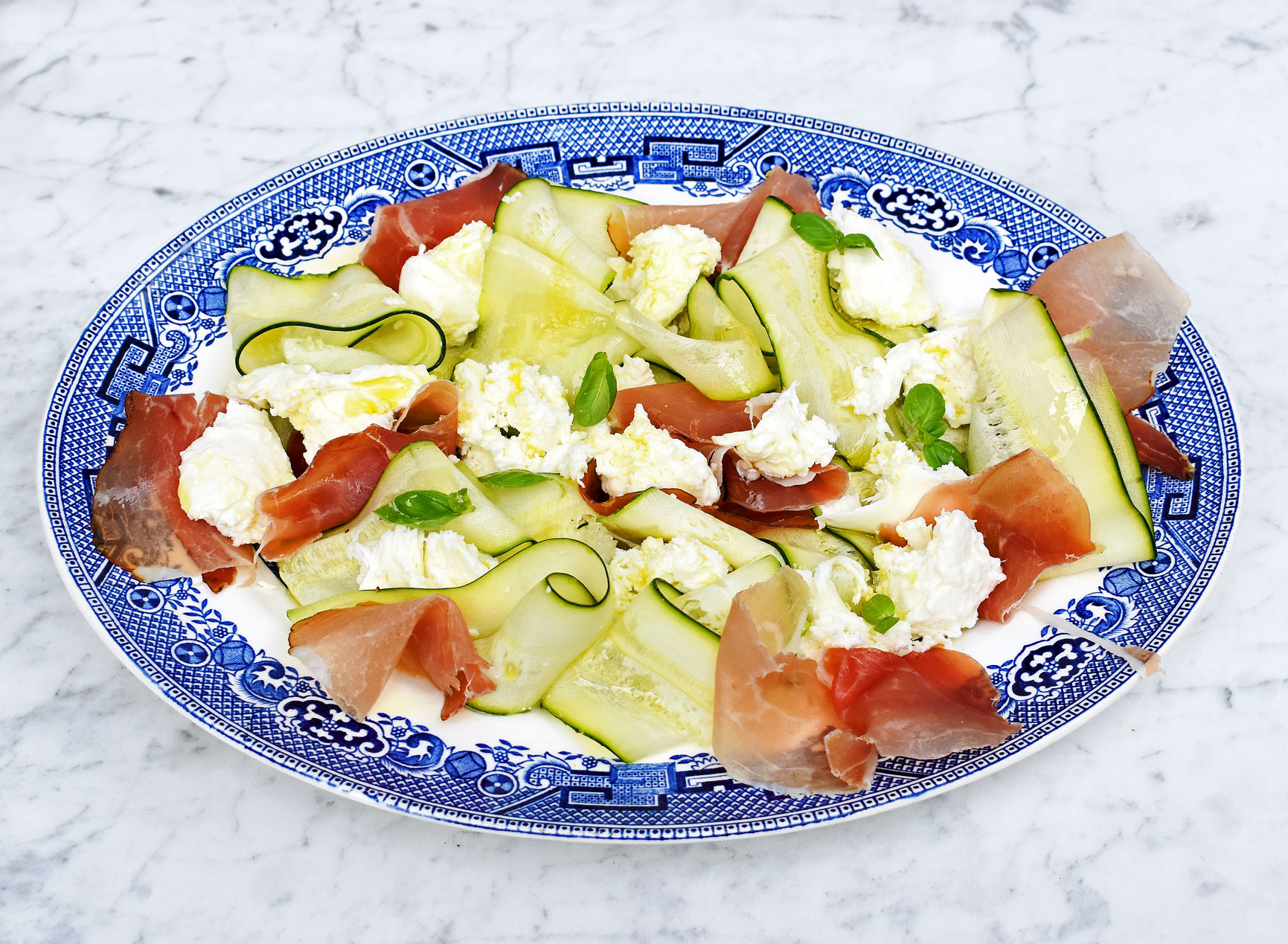 Courgette, mozzarella and Parma ham salad
