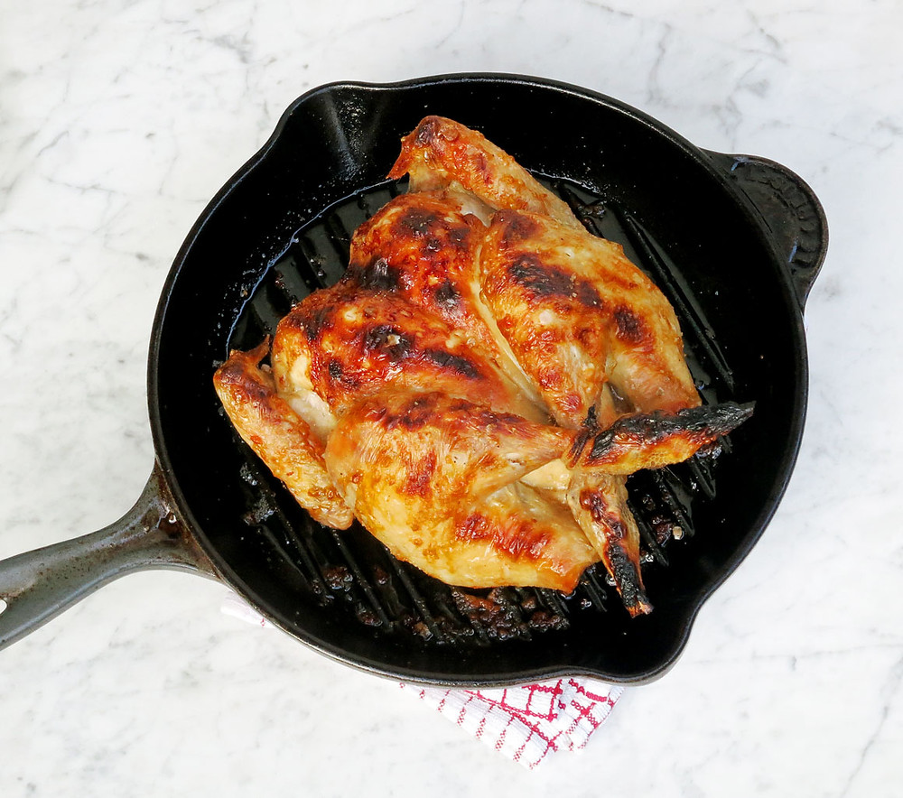 How to grill a spatchcocked chicken in 30 minutes to be super juicy with a crispy skin