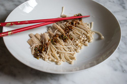 Enoki (Golden needle) mushrooms with garlic, spring onion and soya sauce