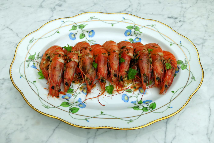 Prawns with garlic, parsley and chilli