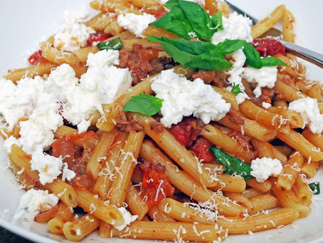 Penne with sausage, fennel, tomatoes and ricotta