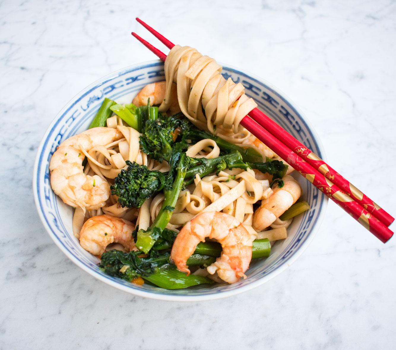 Prawn (shrimp) and broccoli noodles