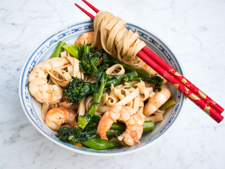 Prawn (shrimp) and broccoli noodles