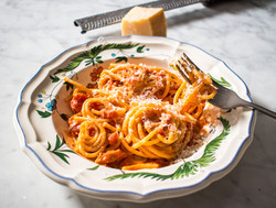 Tomato and butter pasta sauce