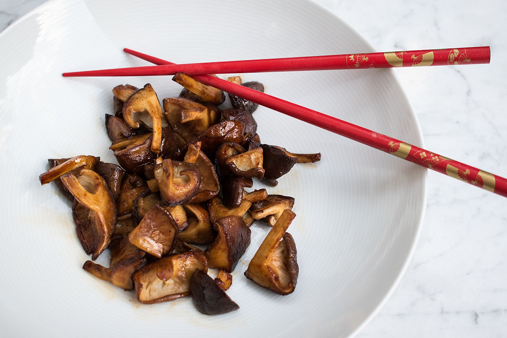 Shiitake mushrooms with butter and soy sauce