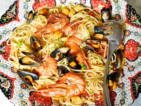 Spaghetti con cozze e gamberi (with mussels and prawns)