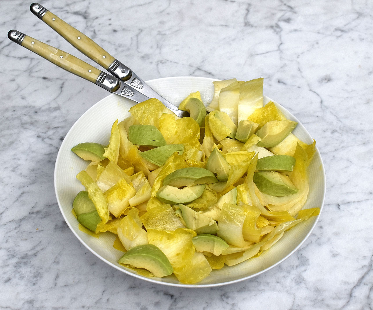 Endive (chicory) and avocado salad