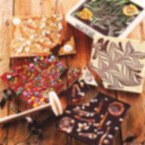 chocolat-au-lait-avec-amandes-caramelise