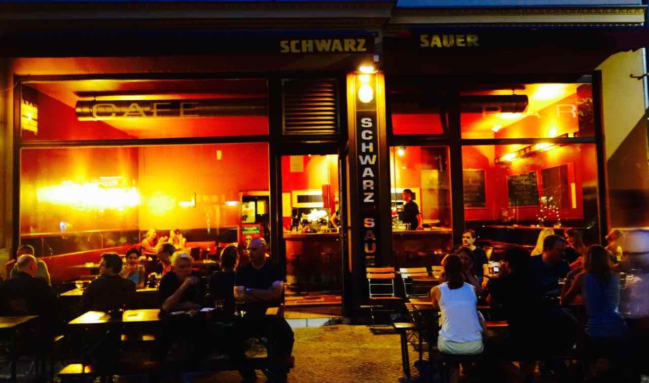 Café-Schwarzsauer-in-der-Kastanienallee-