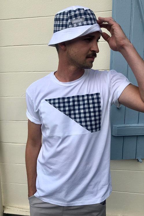 Le t-shirt empiècement blanc/à carreaux