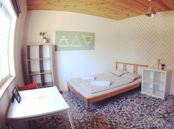 kanalu-surfhouse-006-room.jpg