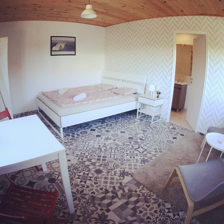kanalu-surfhouse-005-room.jpg