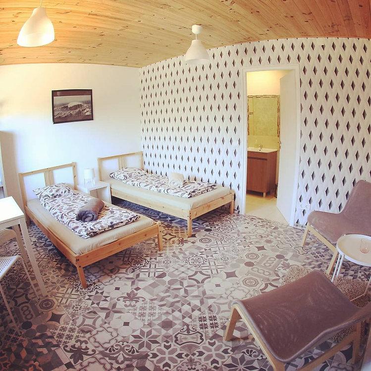 kanalu-surfhouse-004-room.jpg