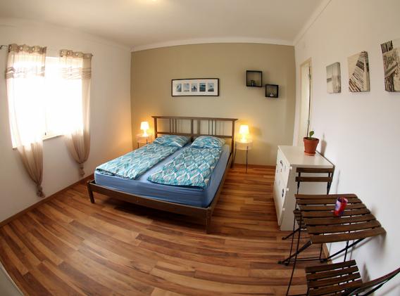 KanaluSurfhouse-Doubleroom-Suite1.webp