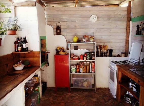 kanalu-surfhouse-007-kitchen.jpg