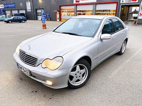 Mercedes-Benz C 320 4d A ** Vähän Ajettu