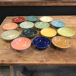 En färgglad beställning #cajokeramik #cajohandmade #foodlover #restaurang #ceramic #stoneware #servi
