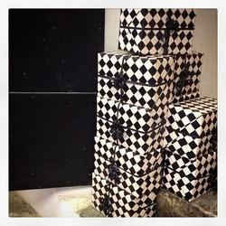 Handdrejad keramik packat och klart till företag som deras kunder ska få
