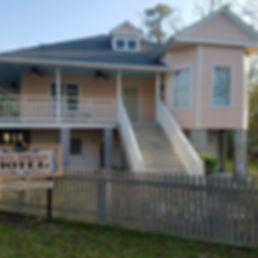 Abita Springs Hotel Facade