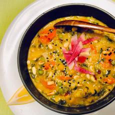 Curry Kale Coconut Soup