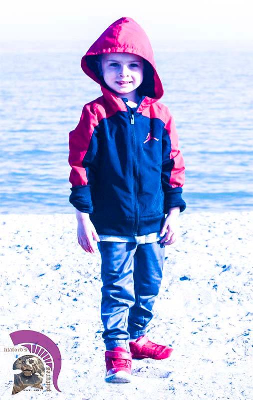 kid@beach2.jpg