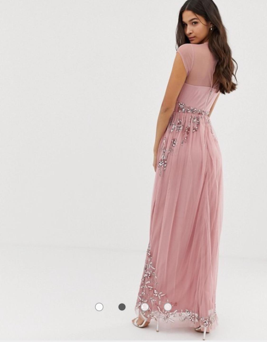 šaty Nika s jemnými aplikáciami