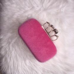 ružová chlpatá kabelka