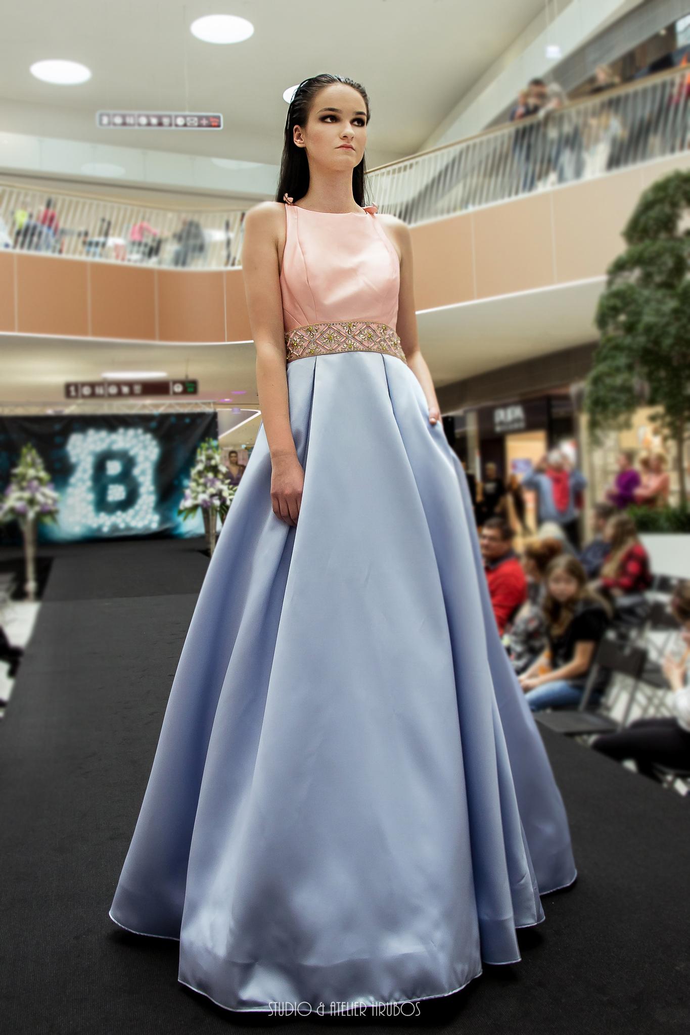 šaty Orchid blue