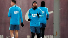 Full squad training resumes in Spain for la liga.