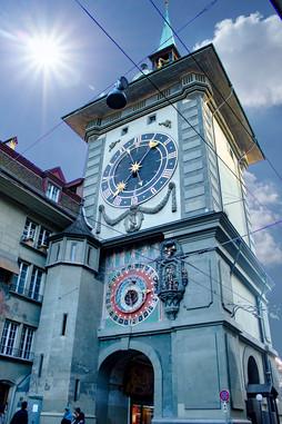 Famous-Bern-Clock.jpg