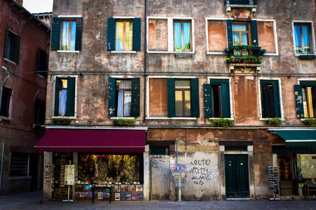 Italian-City-Wall.jpg