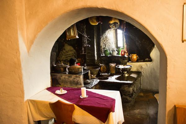 Old-Swiss-Kitchen_2.jpg