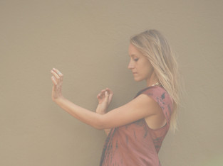 """THE POWER OF // """"Asking yourself deep, reflective questions..."""" by Kelly Mason"""