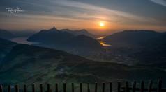 Fallenfluh Sonnenuntergang Feuerscheibe Dunst Sonne noch oben Mitte totale_Z623520-Signet-web.jpg