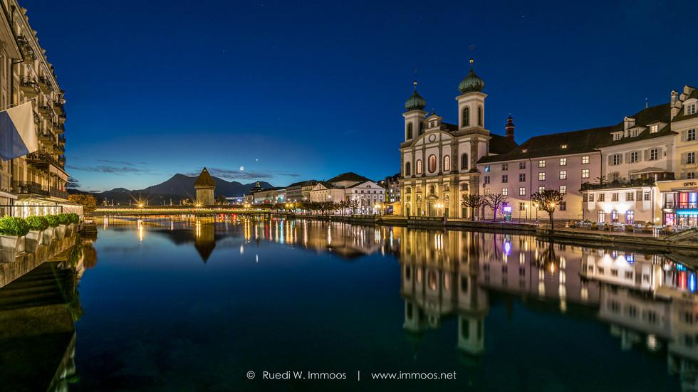 Luzern-Reussaufwärts-Jesuitenkirche-Skyl