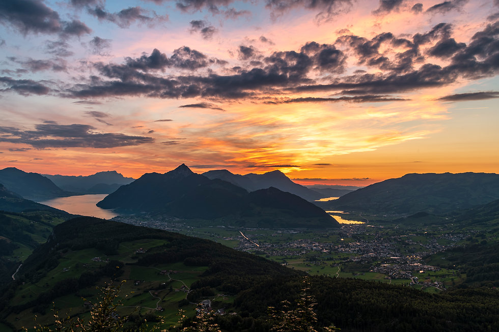 Fallenfluh-Sonnenuntergang-Sonne-unten-s