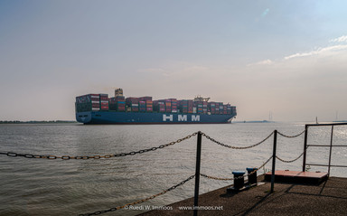 Containerschiff-Algeciras-grösstes-Sta
