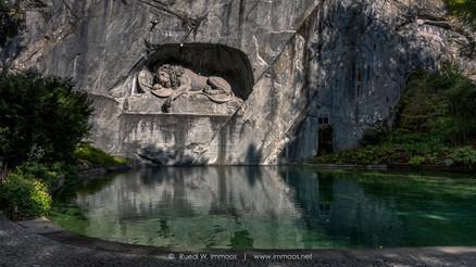 Luzern-Löwendenkmal-mit-Rundung_Z50_090