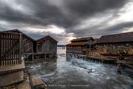 Ammersee-Diessen-Fischerhütten-mit-Eissc